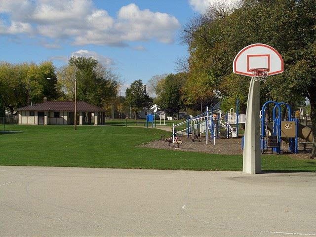 Eastman Park Basketball Courts